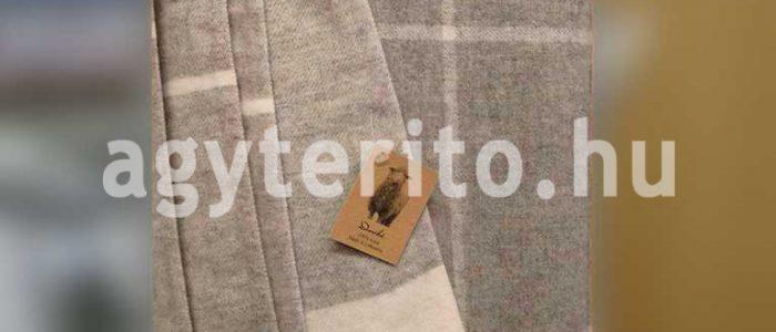enna-gyapjú takaró felterítve